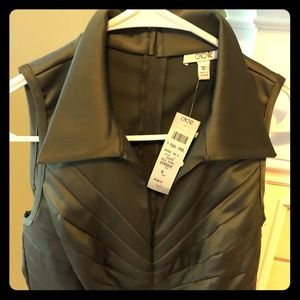 NWT- Beautiful Cache top
